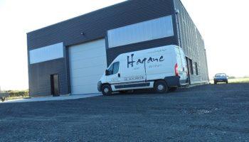 Hagane, créateur d'escalier design et fabriquant de menuiseries alu sur-mesure